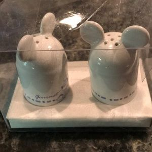 Mickey salt and pepper holders blue